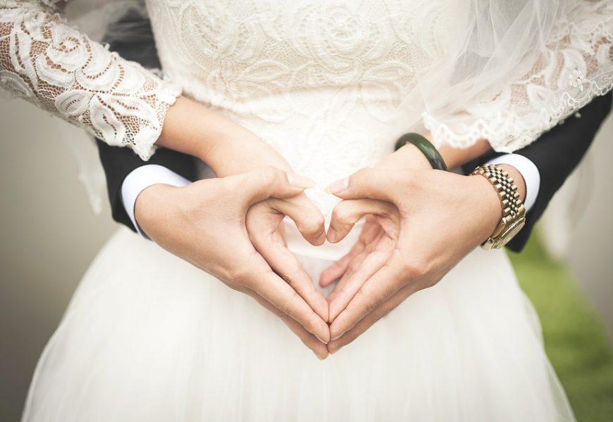 Die Hochzeitsglocken läuten – teuer oder billig?